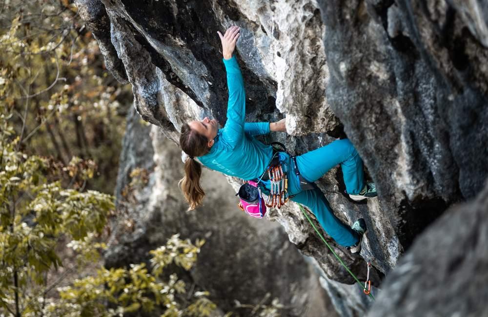 Spodnie trekkingowe na wspinaczkę