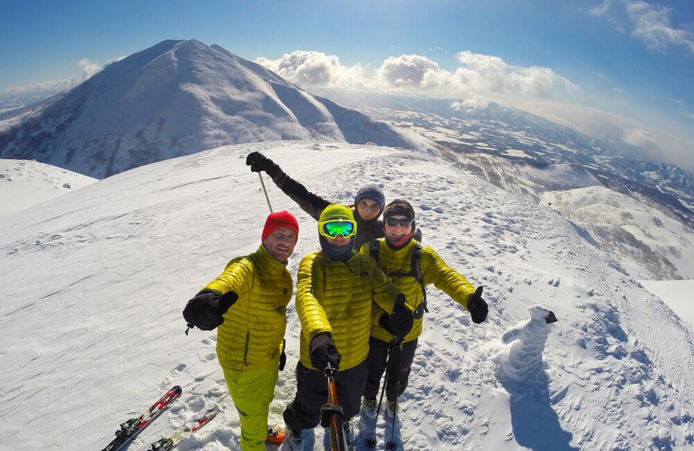Jak ubrać się zima w góry na skitury (fot. 8a.pl)