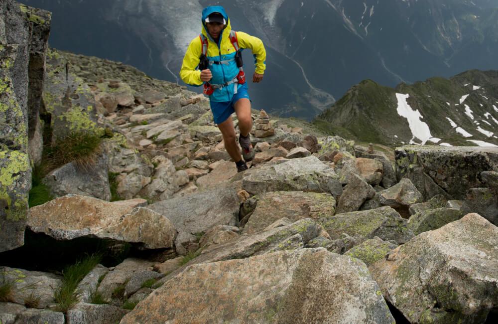 Trasy biegów górskich to nie tylko leśne dukty i trawiaste grzbiety. (fot. Berghaus)