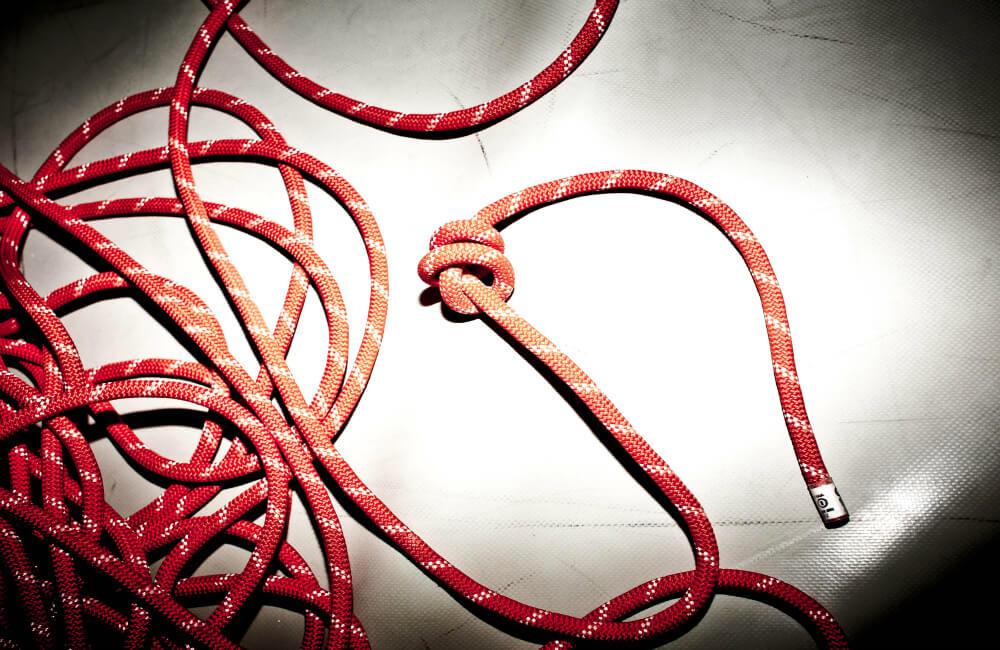 Zawsze pamiętaj by mieć węzeł na końcu liny