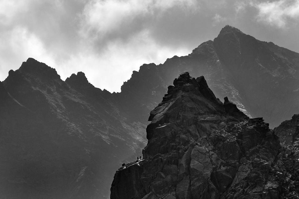 Mnich- to tu prowadzą jedne z najtrudniejszych dróg wspinaczkowych w Tatrach (fot. Michał Bilko)
