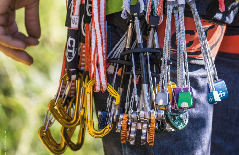 Bo trzeba pamiętać o tym całym sprzęcie i jeszcze jakiś węzeł... (fot. Climbing Technology)
