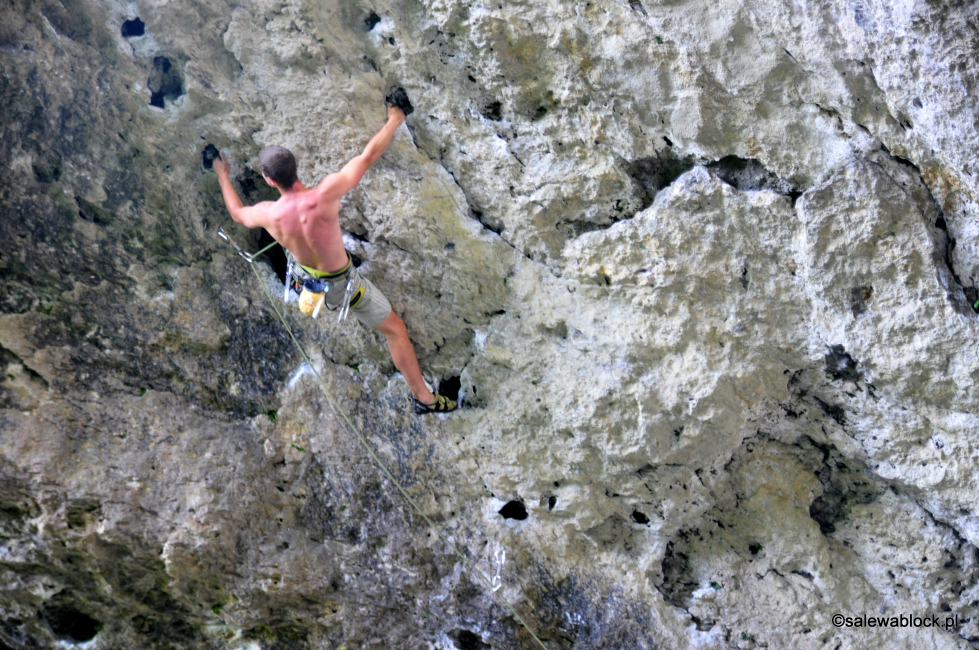 Quergang 7+, wspina się Piotr Orzechowski (fot. Michał Grzyb)