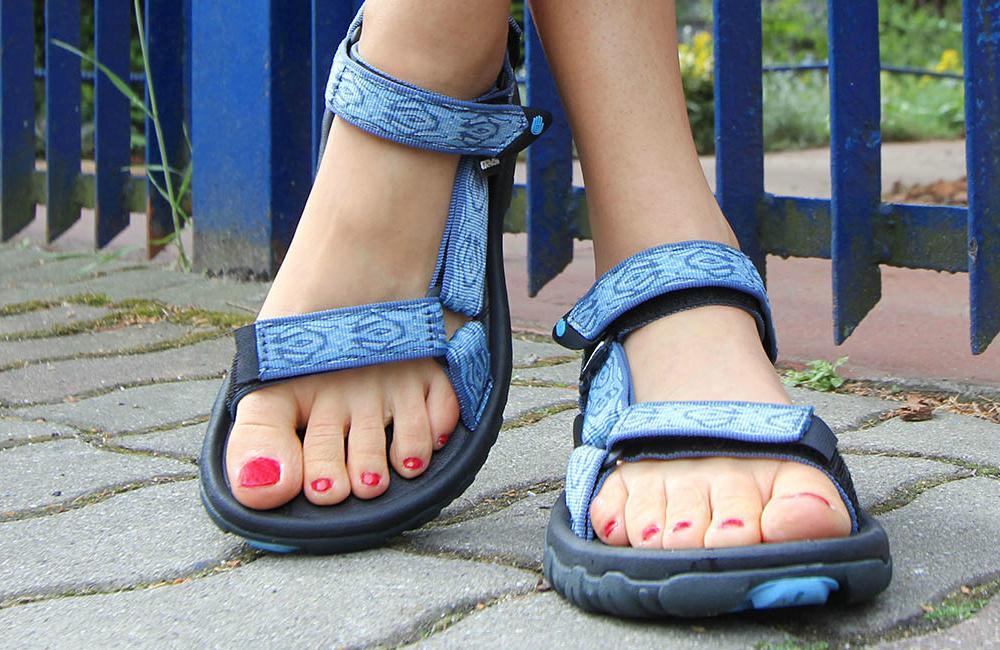 sandały skórzane na wędrówkę