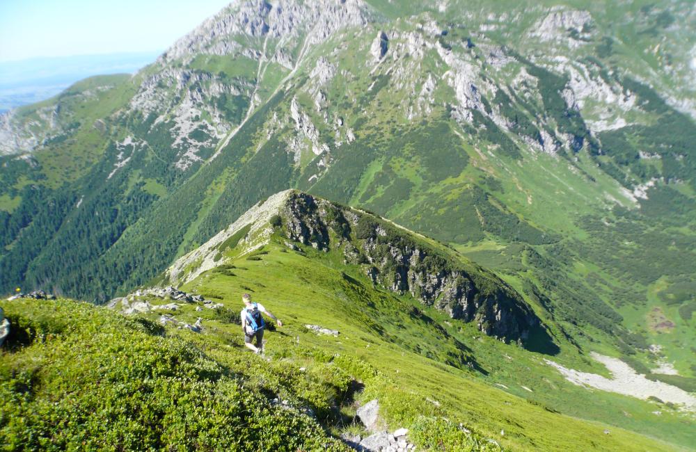 Bieganie po górach - widok na Czerwone Wierchy (fot. autor)