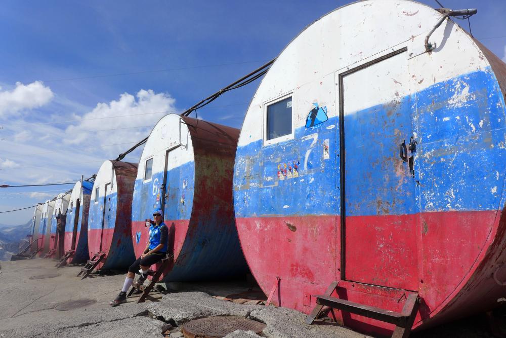 Elbrus schrony - beczki (fot. ze zbiorów autorki)