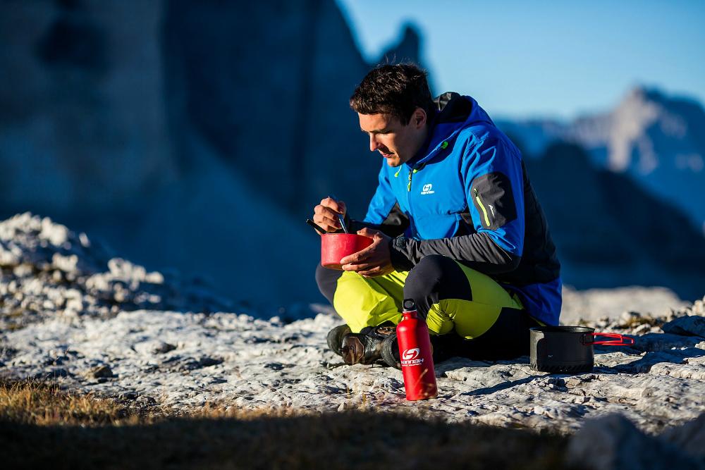 Wysiłek w górach musi być zrównoważony przez dostarczenie organizmowi odpowiedniej dawki kalorii (fot. Hannah)