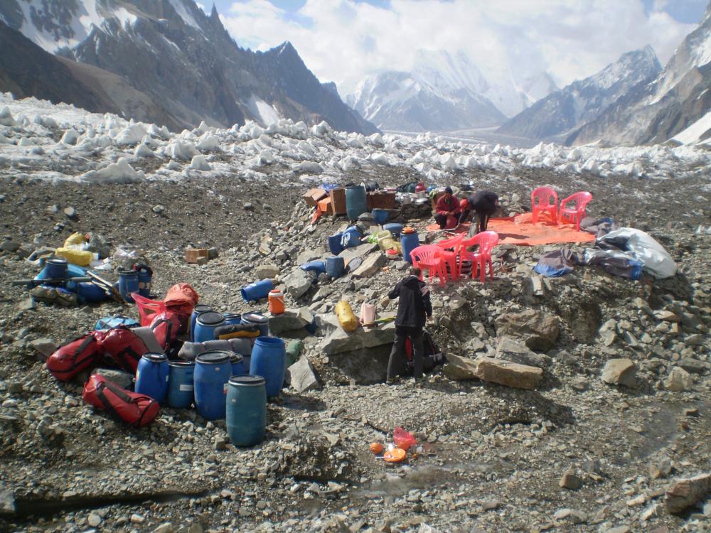 To tylko jeden mały obóz małej ekspedycji... (fot. autor)