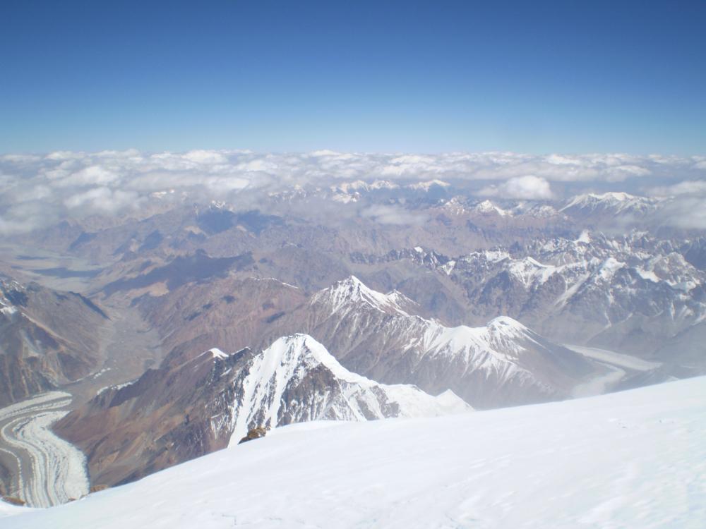 Widok ze szczytu K2 (fot. autor)