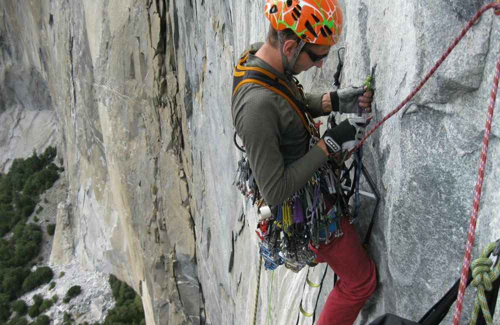 Sławek podczas sekcji na sky hookach na El Capitan (fot. autor)