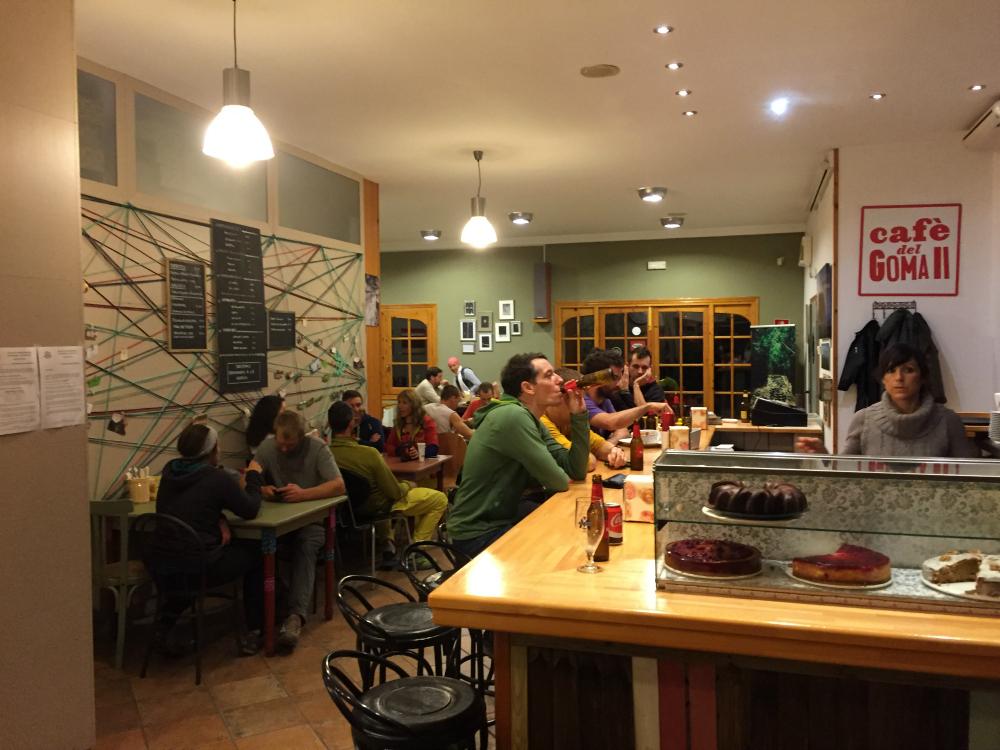 Wspinaczkowy bar w Cornudeli (fot. 8academy)