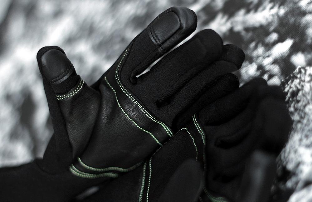 Rękawice z pięcioma wyodrębnionymi palcami gwarantują największą swobodę ruchów