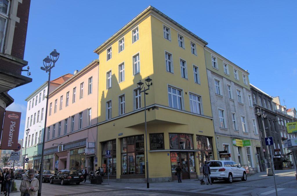 Kamienica przy ulicy Zwycięstwa 1 w Gliwicach, miejsce gdzie znajduje się ścianka (fot. autor)