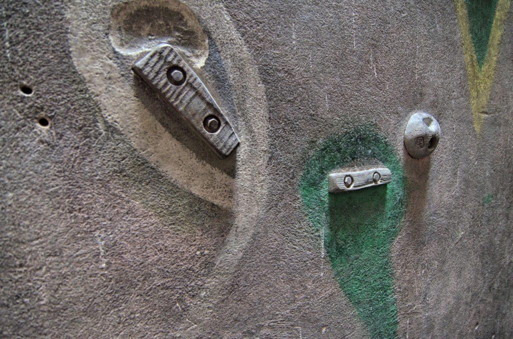 Gliwicki szyb wspinaczkowy - chwyty