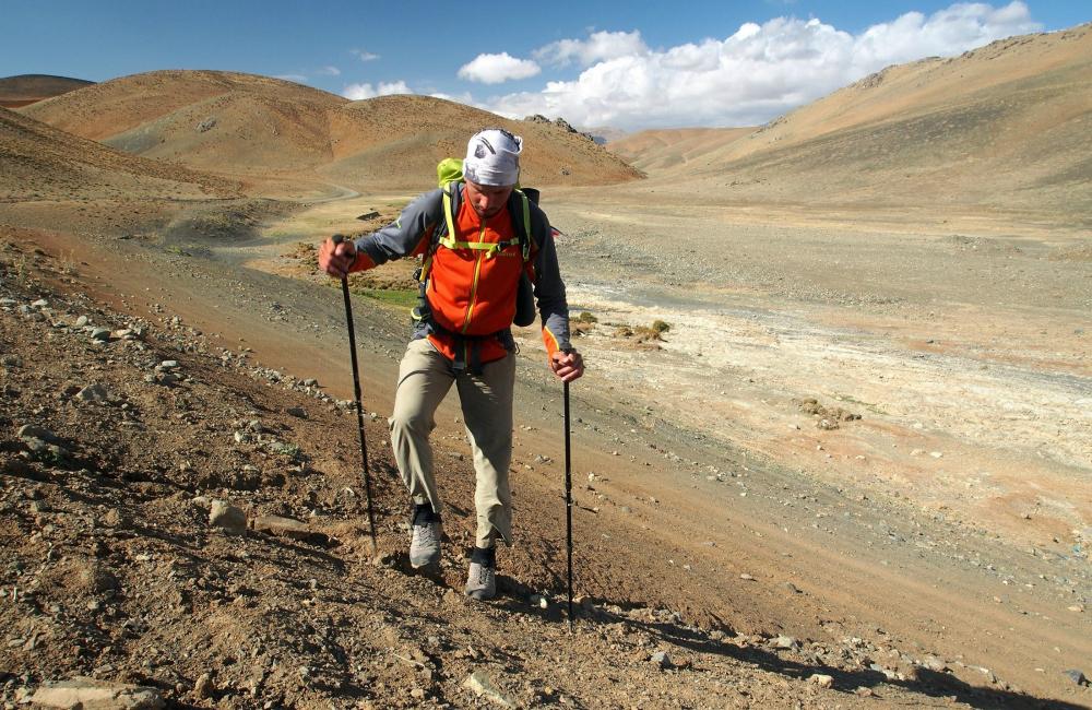 W Iranie- niskie stuptupy chronią przed wpadaniem piasku do butów (fot. autor)