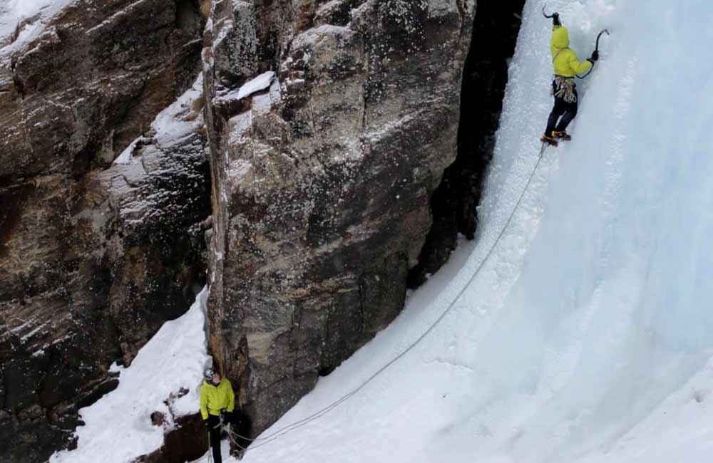 wspinaczka lodospadem