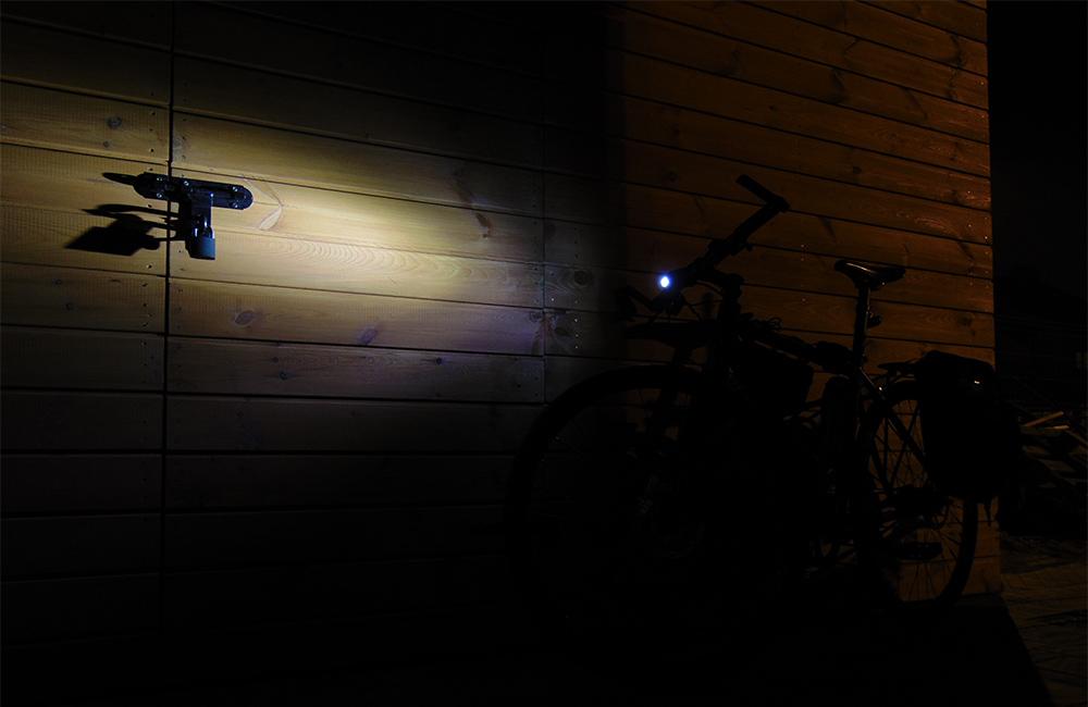 Czołówka do zamontowania na rower