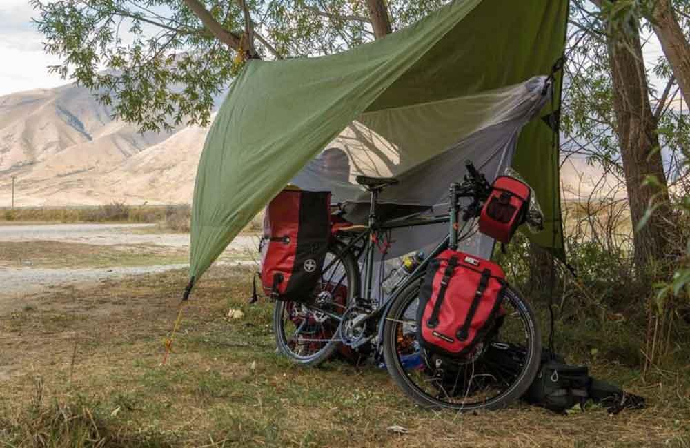 Tarp na rower zamiast namiotu