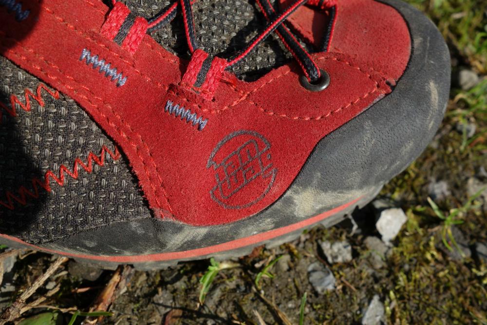 Buty podejściowe z membraną