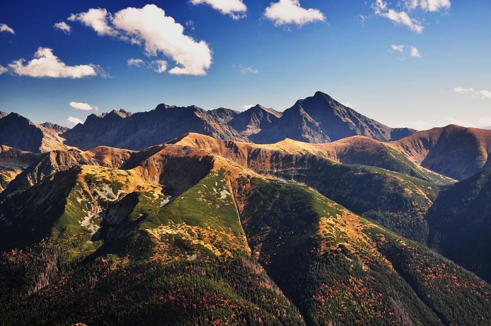 Dlaczego jesienią warto chodzić w góry