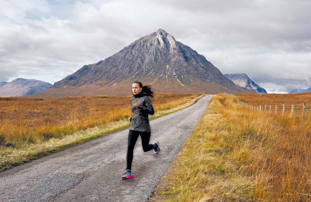 lekka kurtka przeciwdeszczowa - doskonała do biegania