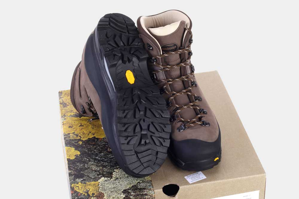 Buty górskie na vibramie