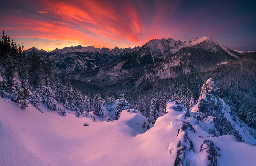 Wschód słońca na Gęsiej Szyi w Tatrach