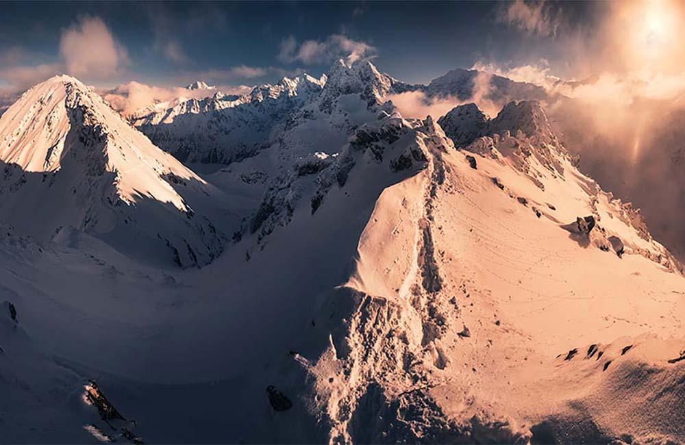 Popołudniowa panorama ze Szpiglasowego Wierchu w Tatrach Wysokich
