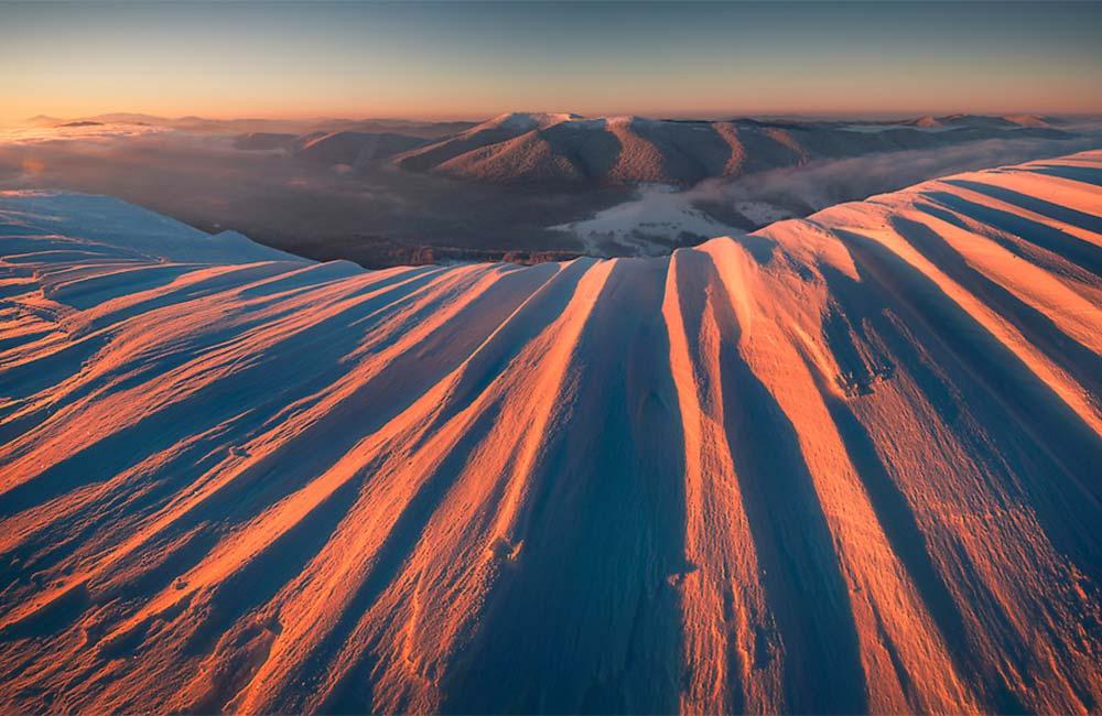 Fotografowanie gór zimą - Śnieżne formy w Bieszczadach