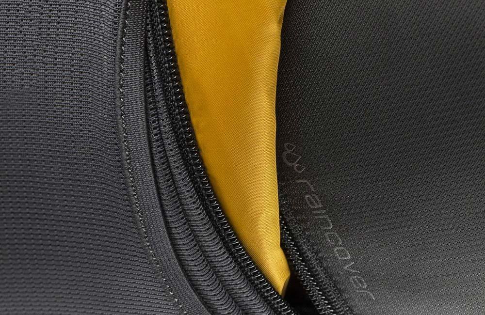 plecak z pokrowcem przeciwdeszczowym