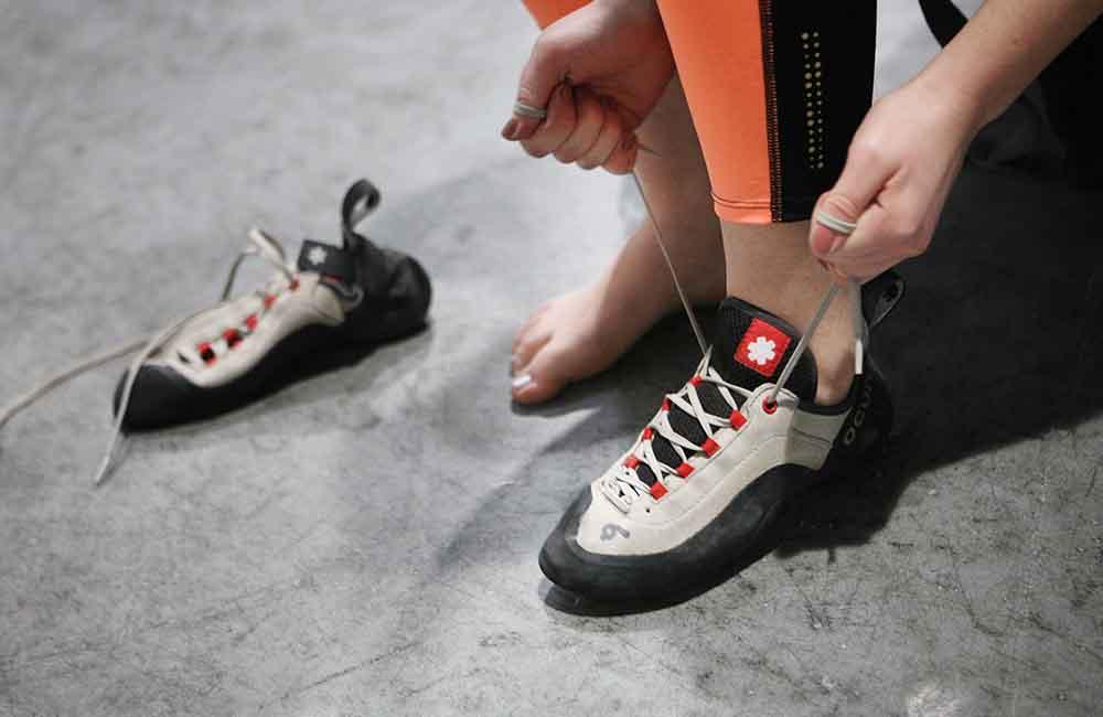 przymiarka butów wspinaczkowych - sznurowanych