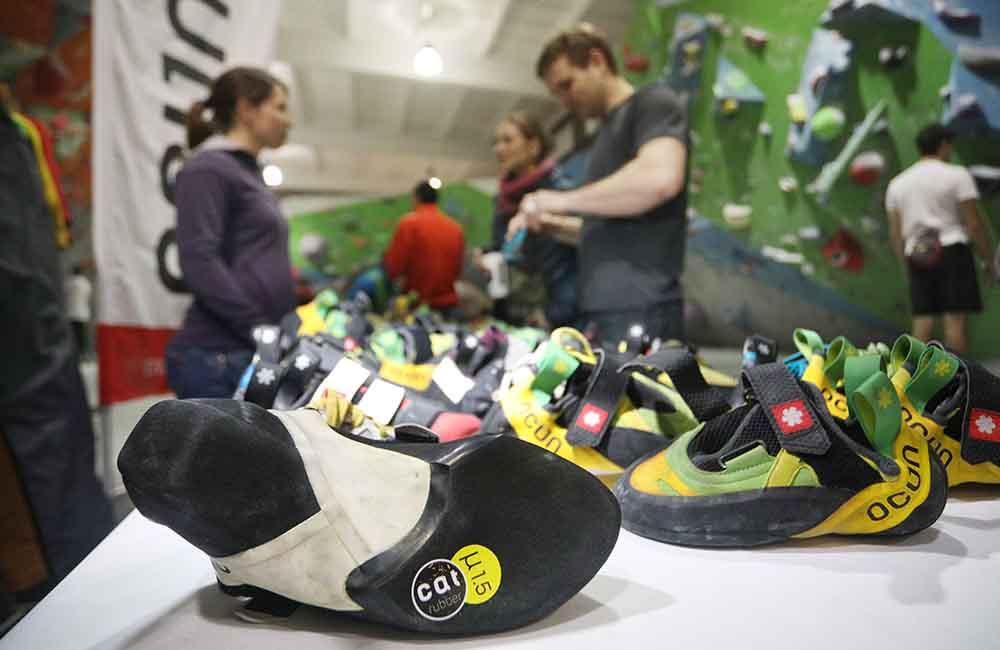 Buty wspinaczkowe z przyczepną gumą