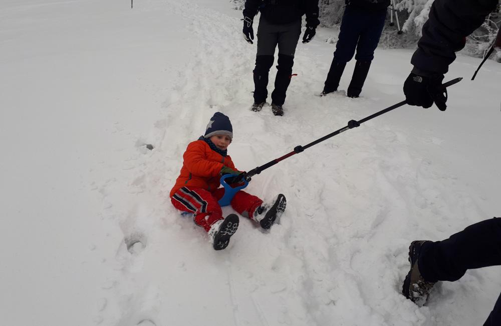 Beskid Żywiecki zimą - zabawa na śniegu