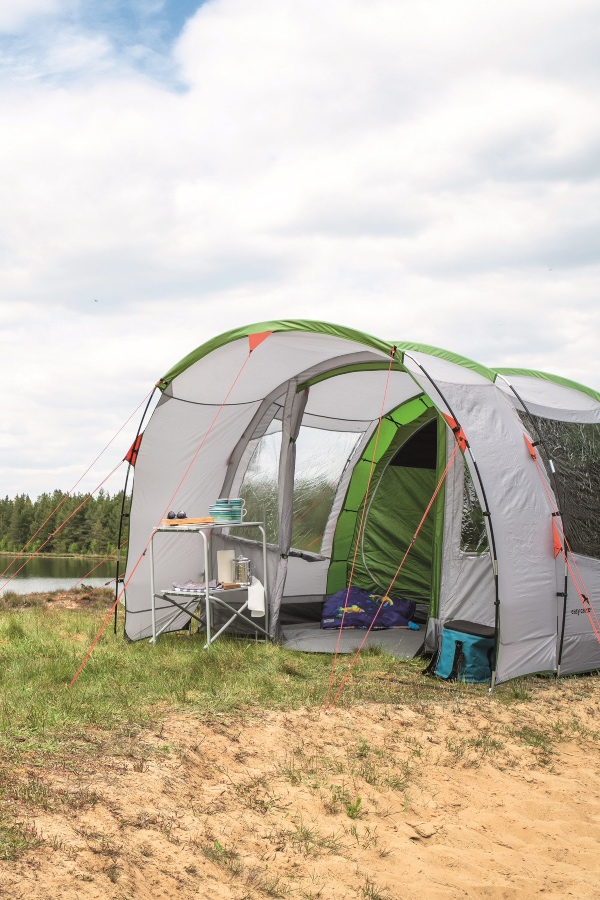 duży namiot rodzinny - idealny na kemping