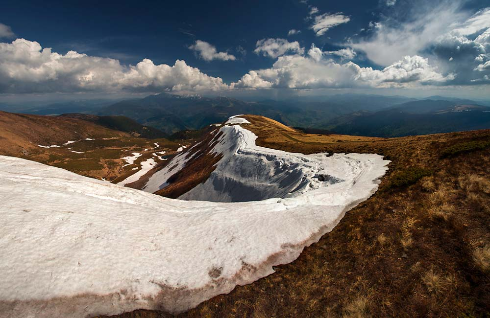 Śnieg w Karpatach Wschodnich