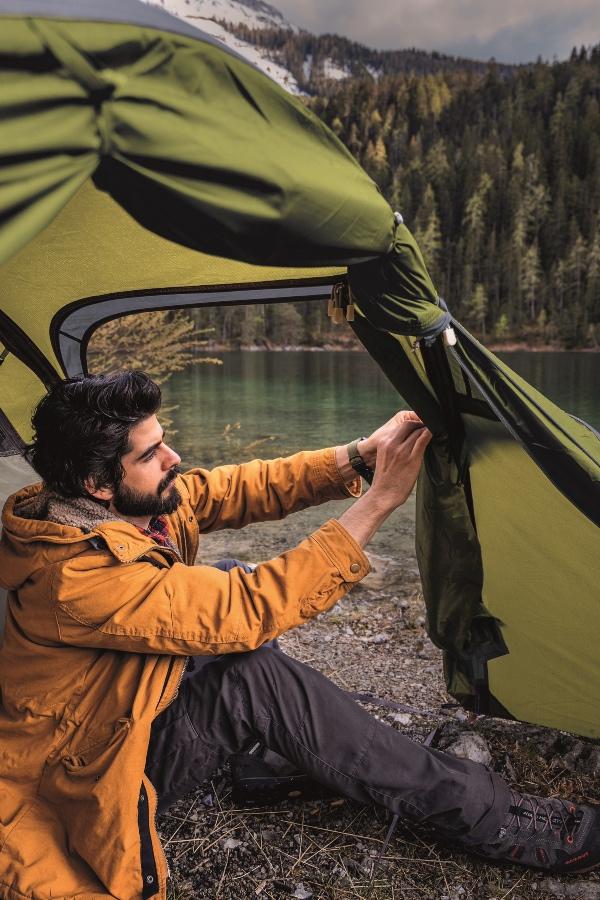 namioty turystyczne - rozkładanie