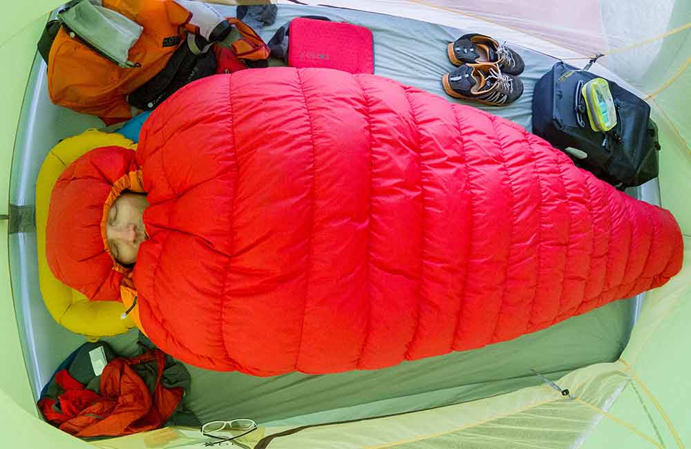 Nocleg w namiocie w zimniejszej części roku też może być komfortowy.