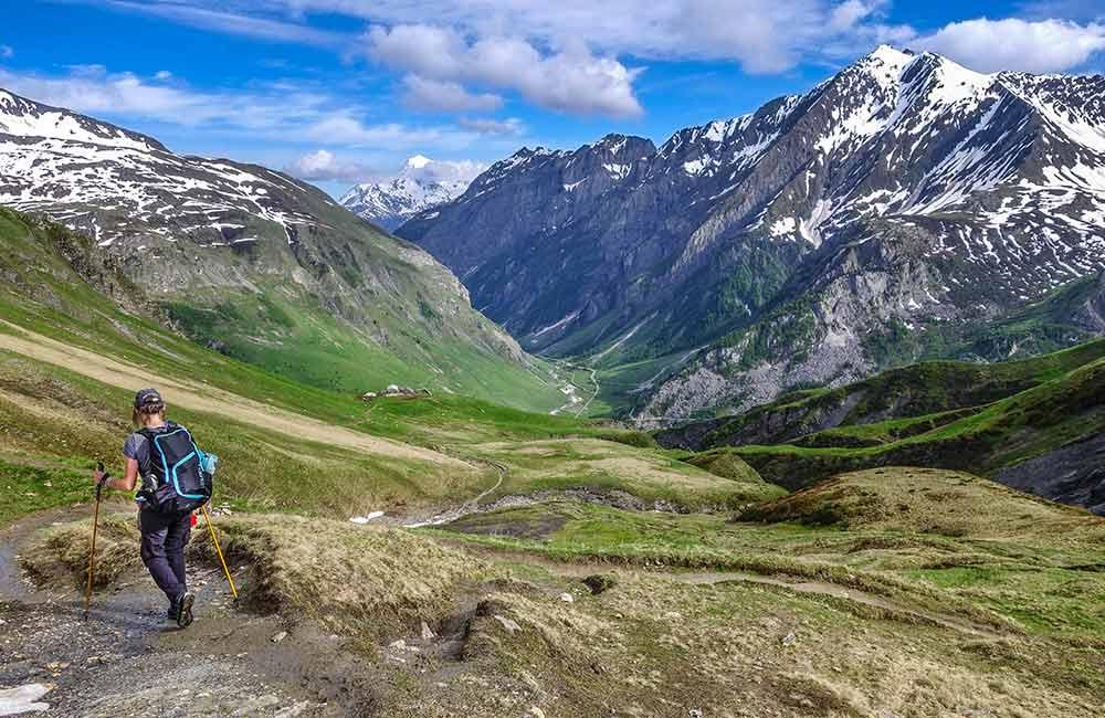 Trekking - jak zacząć chodzić po górach? Z kanapy na szlak.