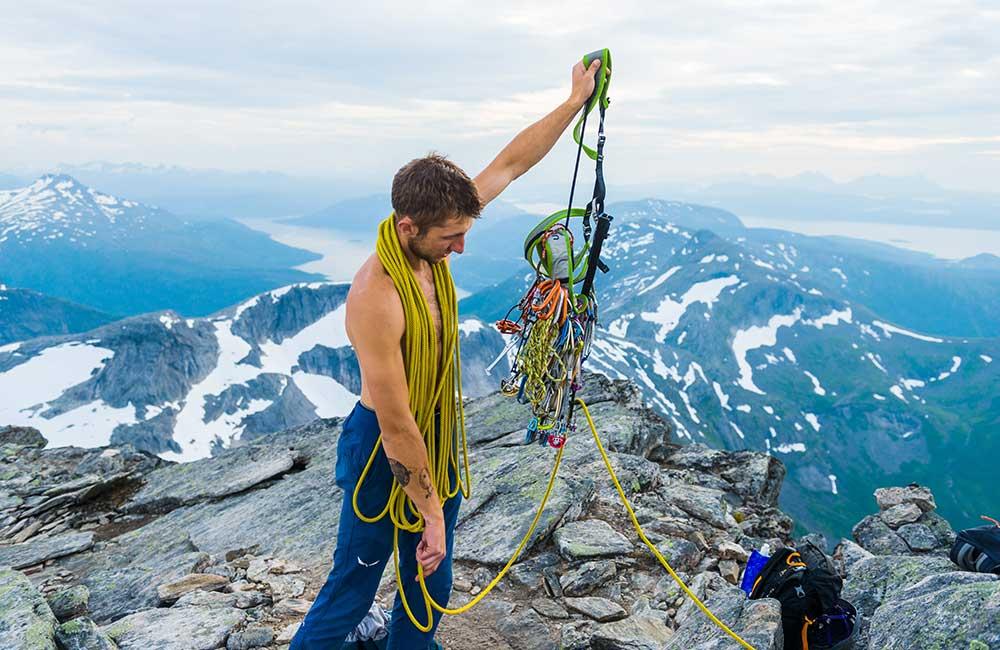 Jaki sprzęt do wspinania w górach