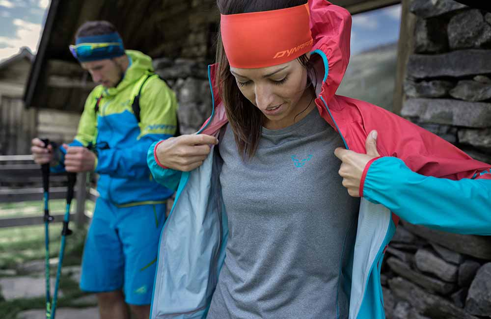 Wartswowy ubiór do biegania.