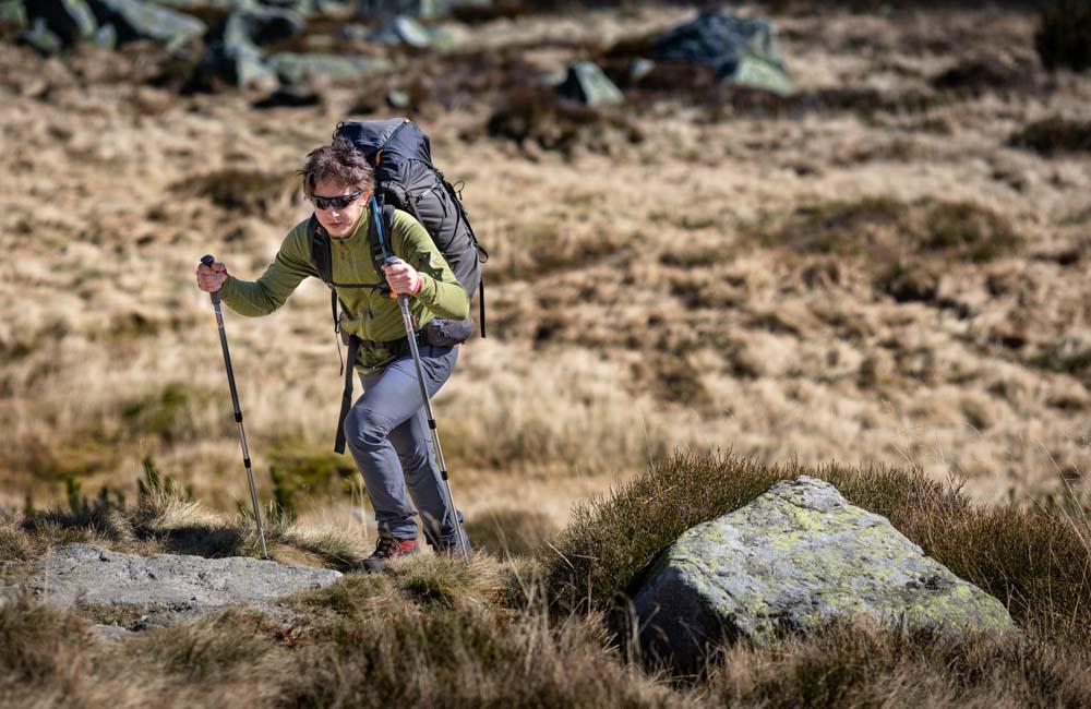 Nordic walking a odchudzanie - czy chodzenie z kijkami odchudza?