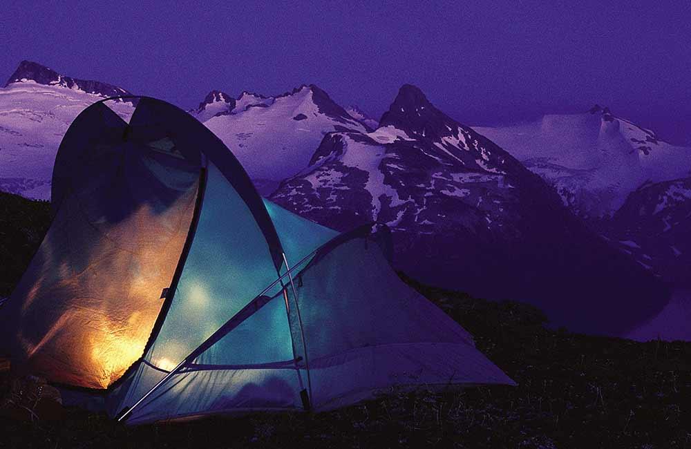 Namiot turystyczny na zimę