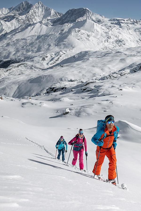 jak odpowiednio dobrać narty skiturowe