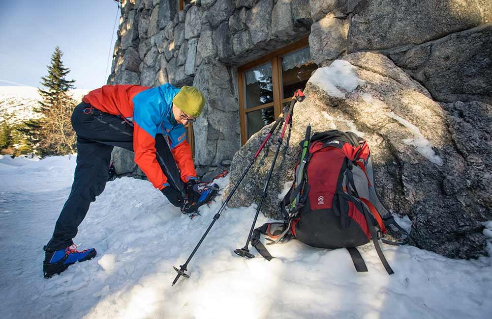 Przygotowanie do wyjścia w Tatry zimą