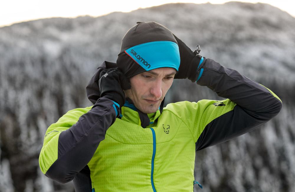 Jaka czapka i rękawiczki do biegania w zimie