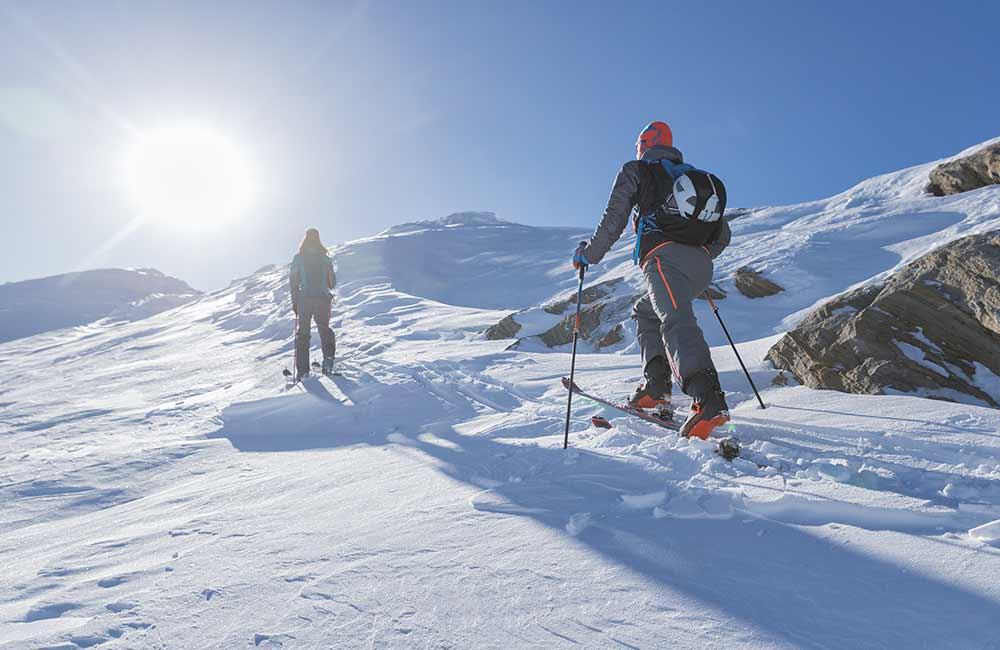 skituring w doskonałych górskich warunkach