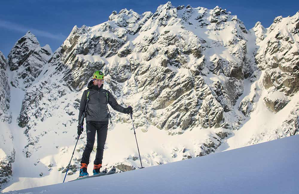odpowiednia odzież i sprzęt to podstawa skitouringu