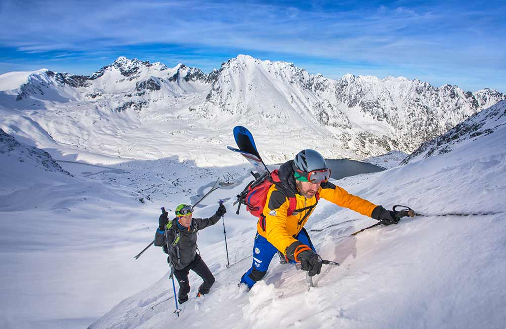 podejście skiturowe w rakach i z czekanem