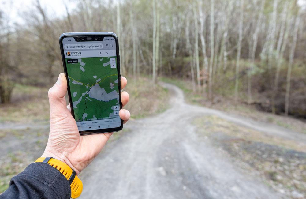 Mapy turystyczne na smartfona