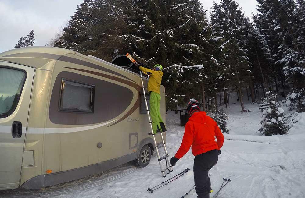 Życie w kamperze zimą